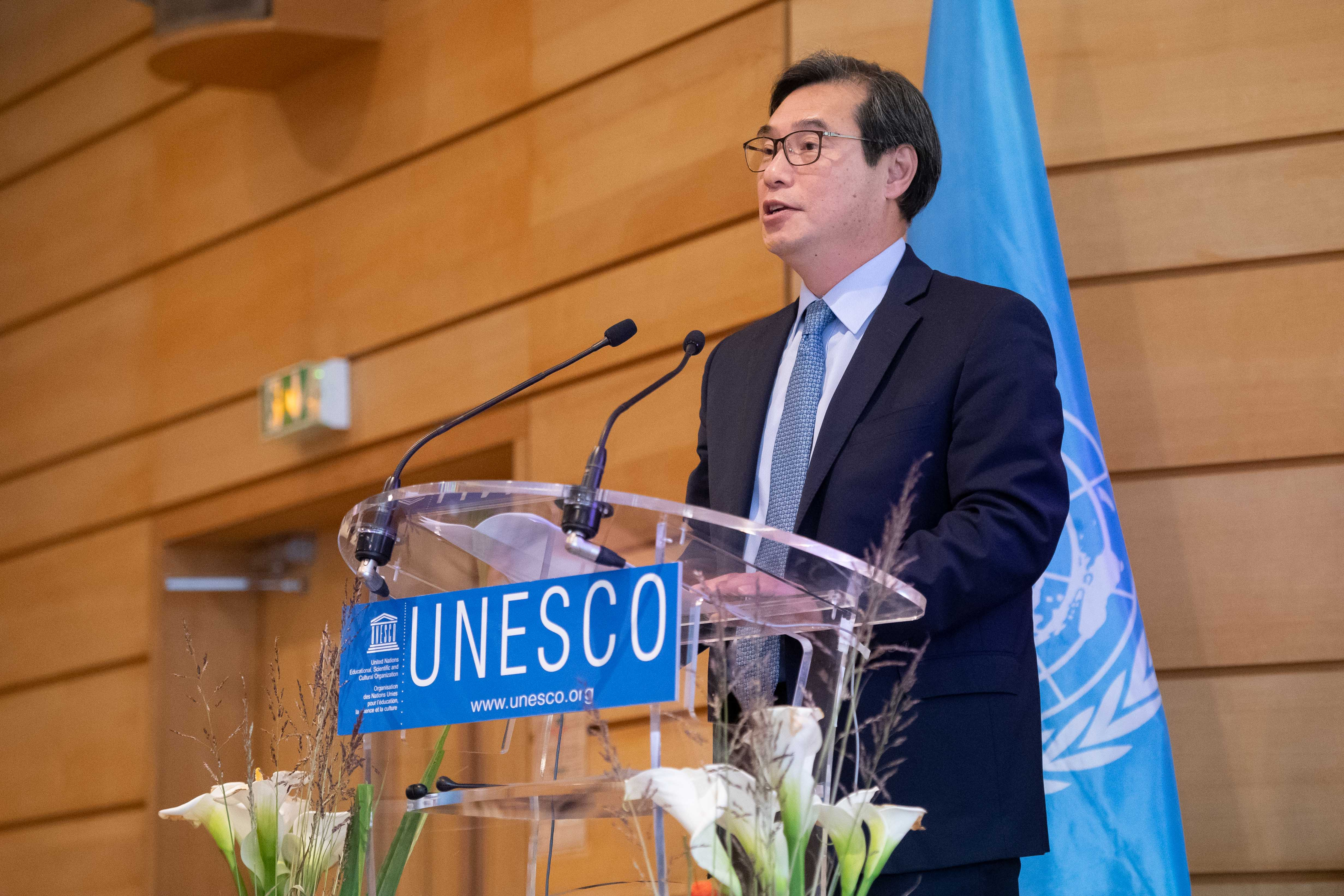 Multilingualism in focus at UNESCO International Literacy Day conference