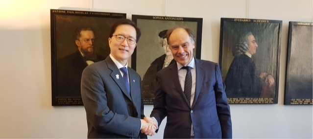 Ambassador LEE meets Carel Stolker, President of Leiden University